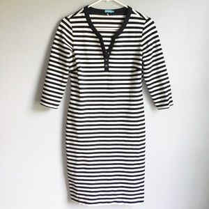 J McLaughlin Stripe 3/4 Sleeve Dress Button V Neck